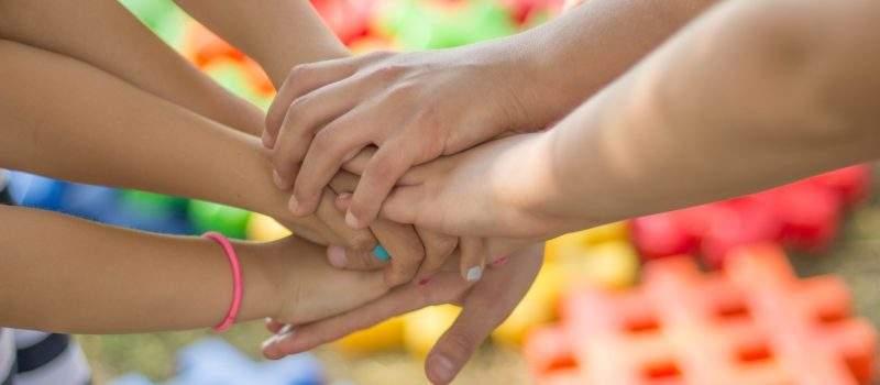 hands-2847508_1280